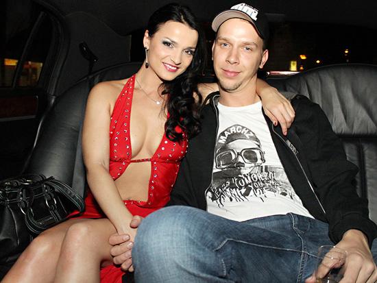 Wer träumt nihct davon mit einer Pornoschlampe zusammen zu sein? Maria Mia und Tim sind gemeinsam glücklich.